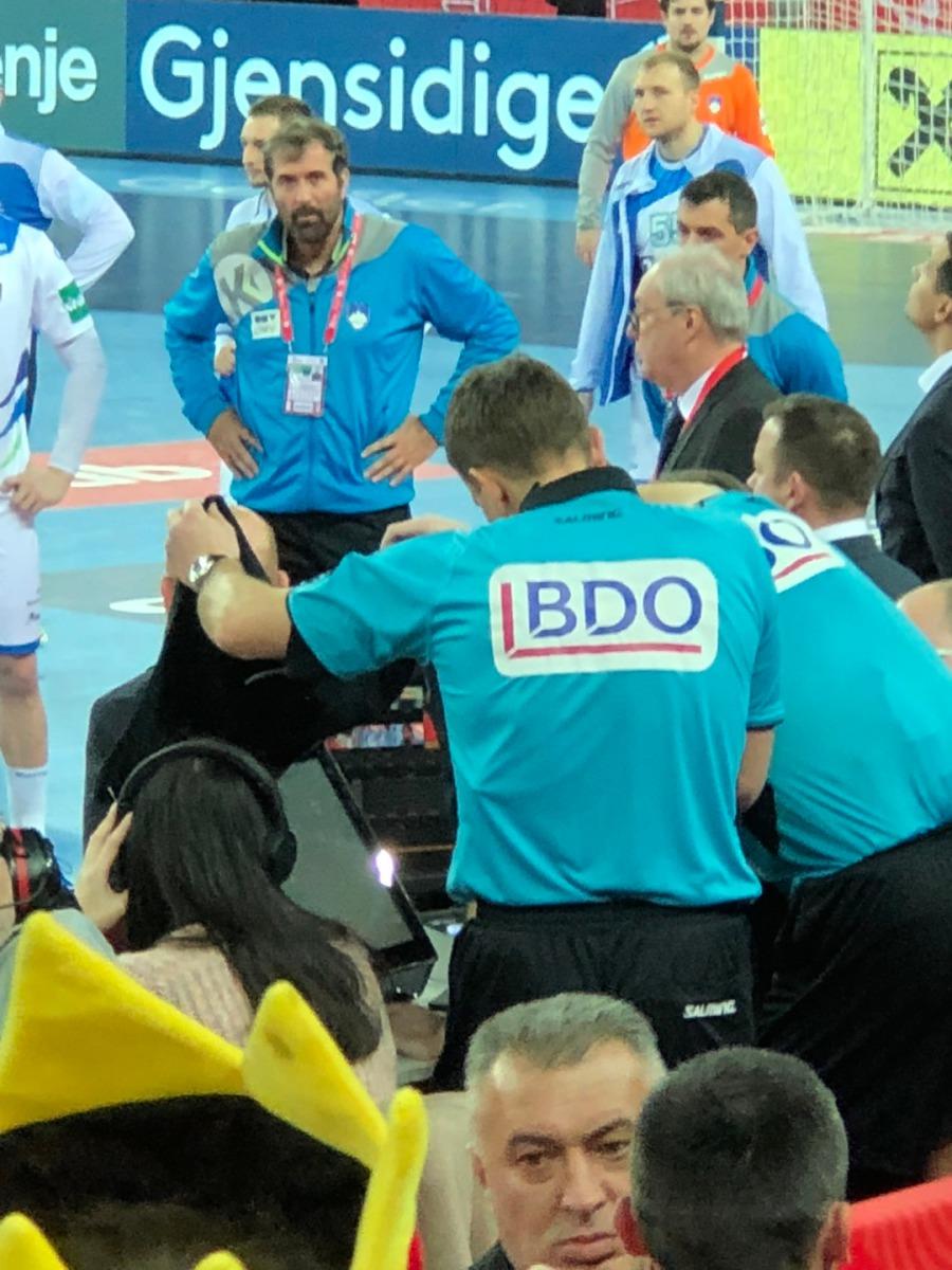 Handball Blaue Karte.Rechtsanwalt Helge Olaf Käding Videobeweis Im Handball